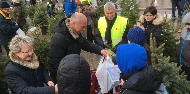 Humanitarna prodaja božićnih drvaca